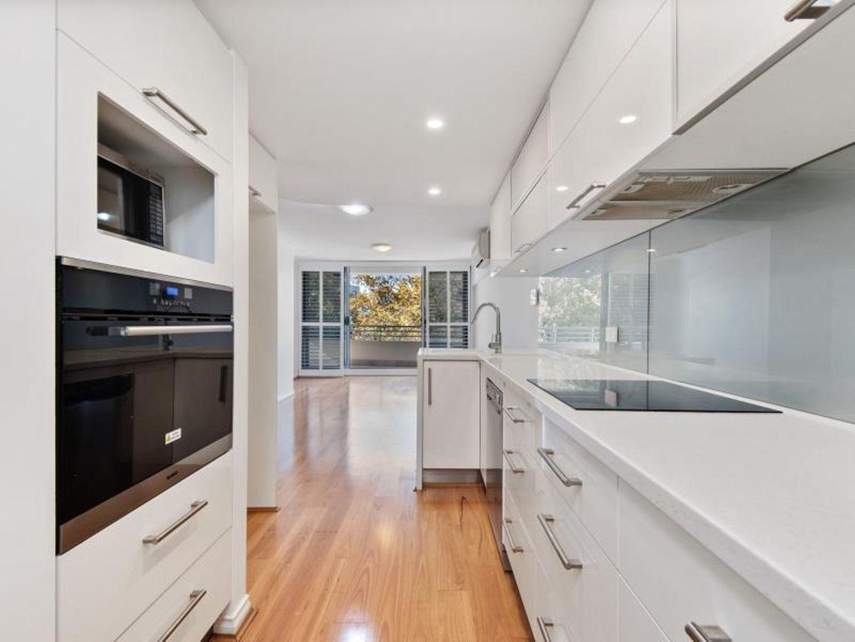 15/134 Mounts Bay Road, Perth WA 6000, Image 0