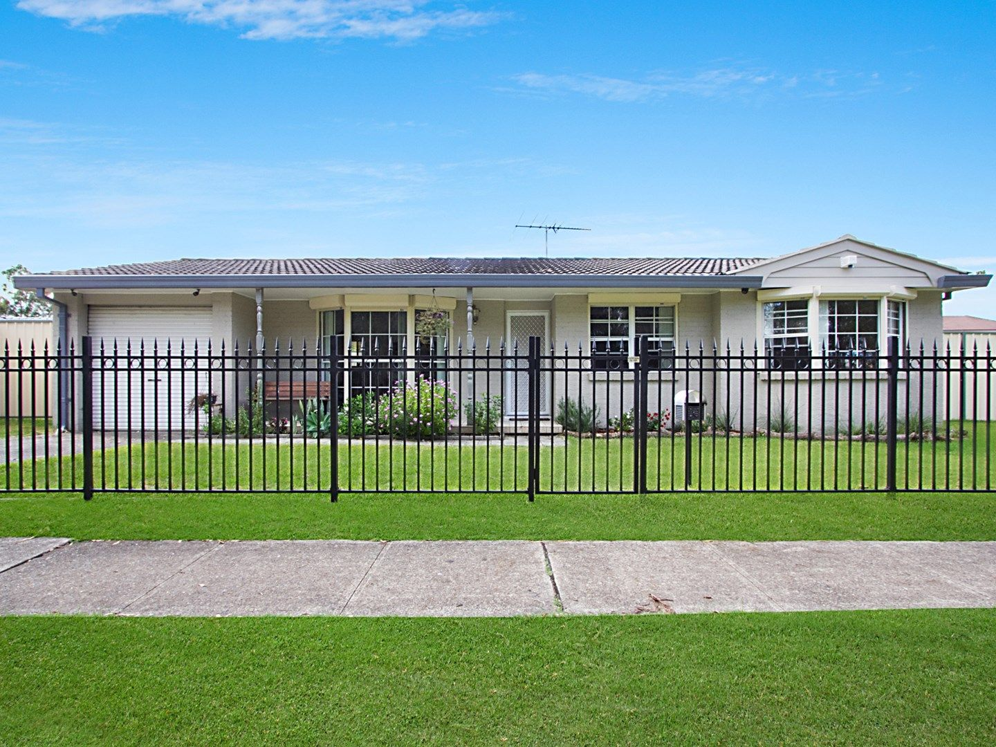10 Kempsey Place, Bossley Park NSW 2176, Image 1