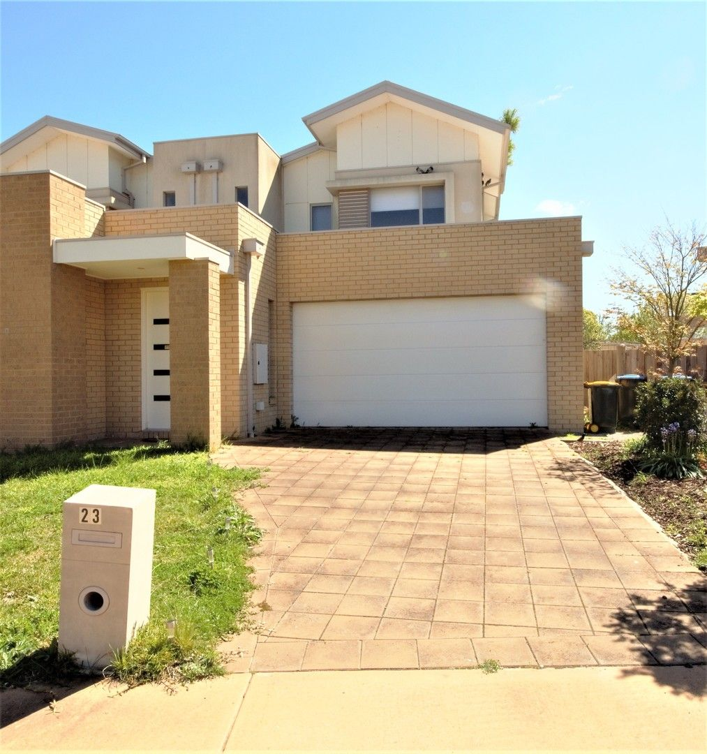 3 bedrooms House in 23 Broadbeach Cct POINT COOK VIC, 3030