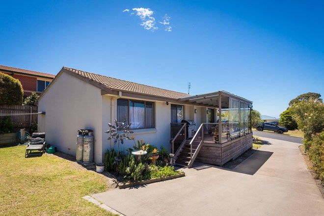 Picture of 82 Surf Circle, TURA BEACH NSW 2548