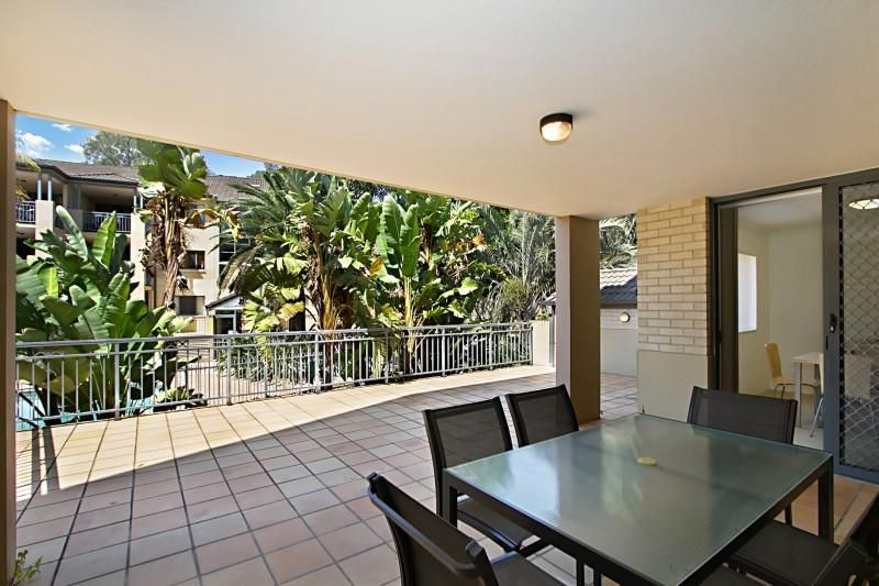 3/300 Sir Fred Schonell Drive, St Lucia QLD 4067, Image 2
