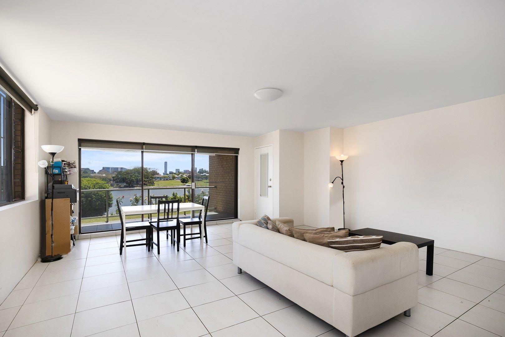 1/32 Sandford Street, St Lucia QLD 4067, Image 1