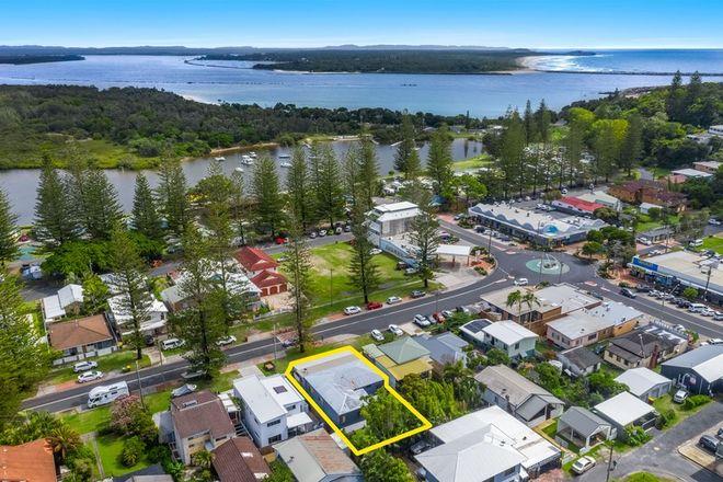 Picture of 1&2/24 Wooli Street, YAMBA NSW 2464