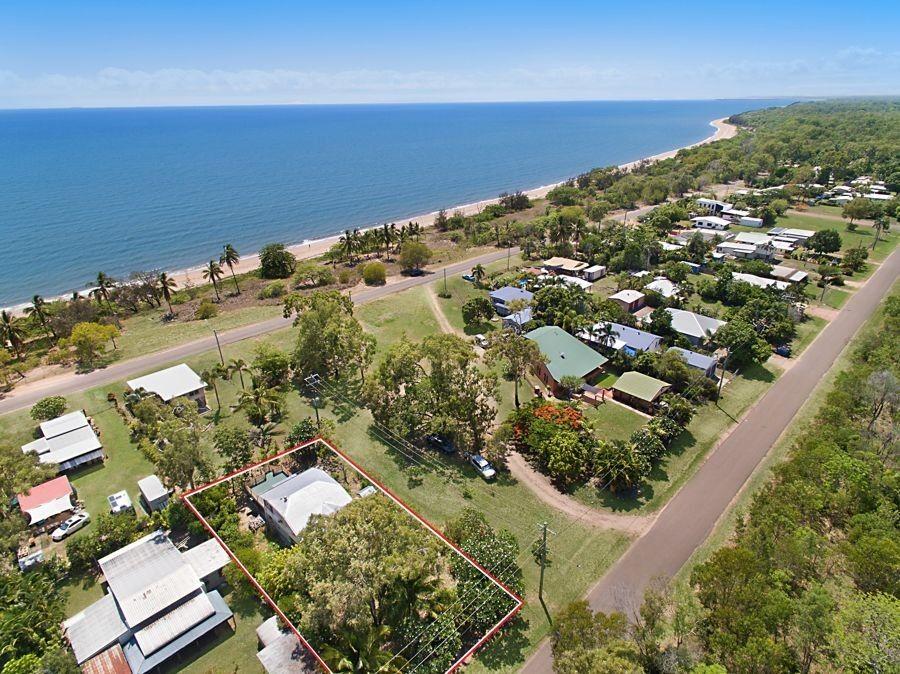 48 Marlin St, Balgal Beach QLD 4816, Image 0