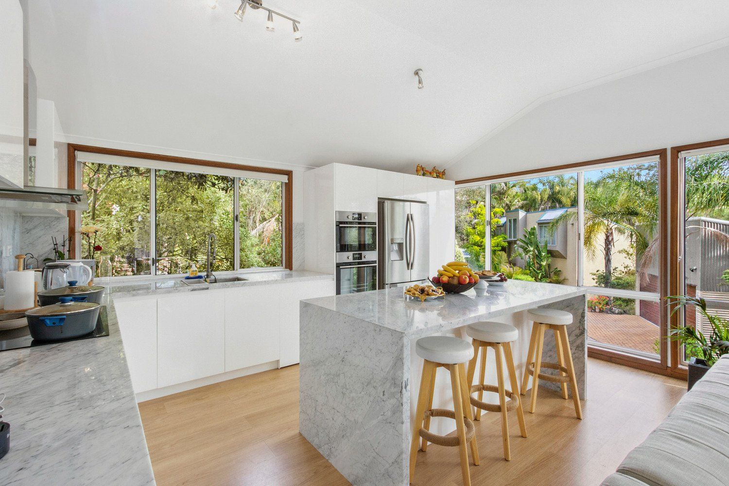 10 Summerhaze Place, Hornsby Heights NSW 2077, Image 1