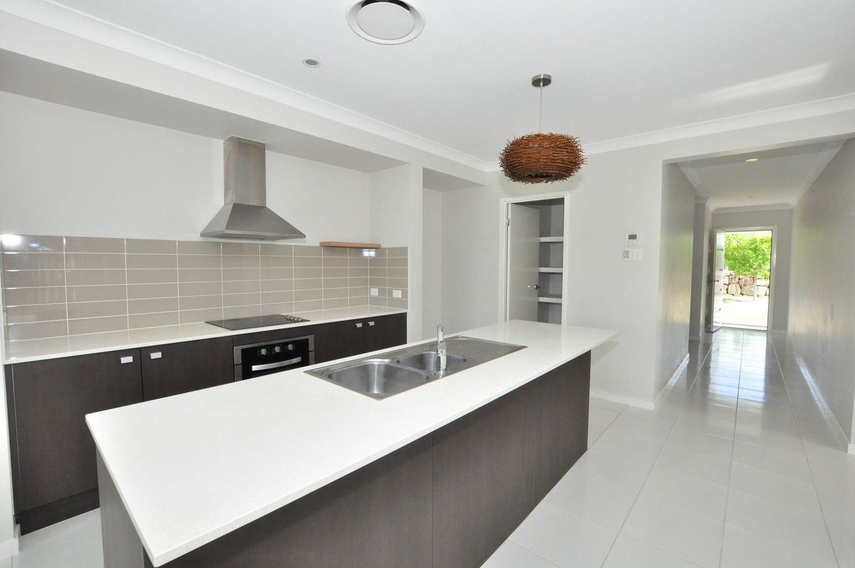 78 Mylestom Circle, Pottsville NSW 2489, Image 2