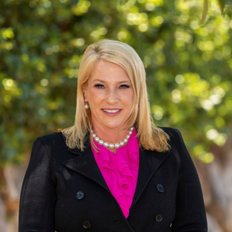 Sonya Treloar, Sales representative