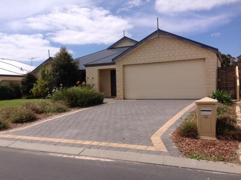 12 Ballarat Court, Eaton WA 6232, Image 0
