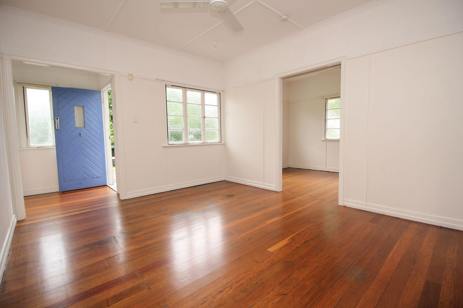 27 Prospect Street, Silkstone QLD 4304, Image 2
