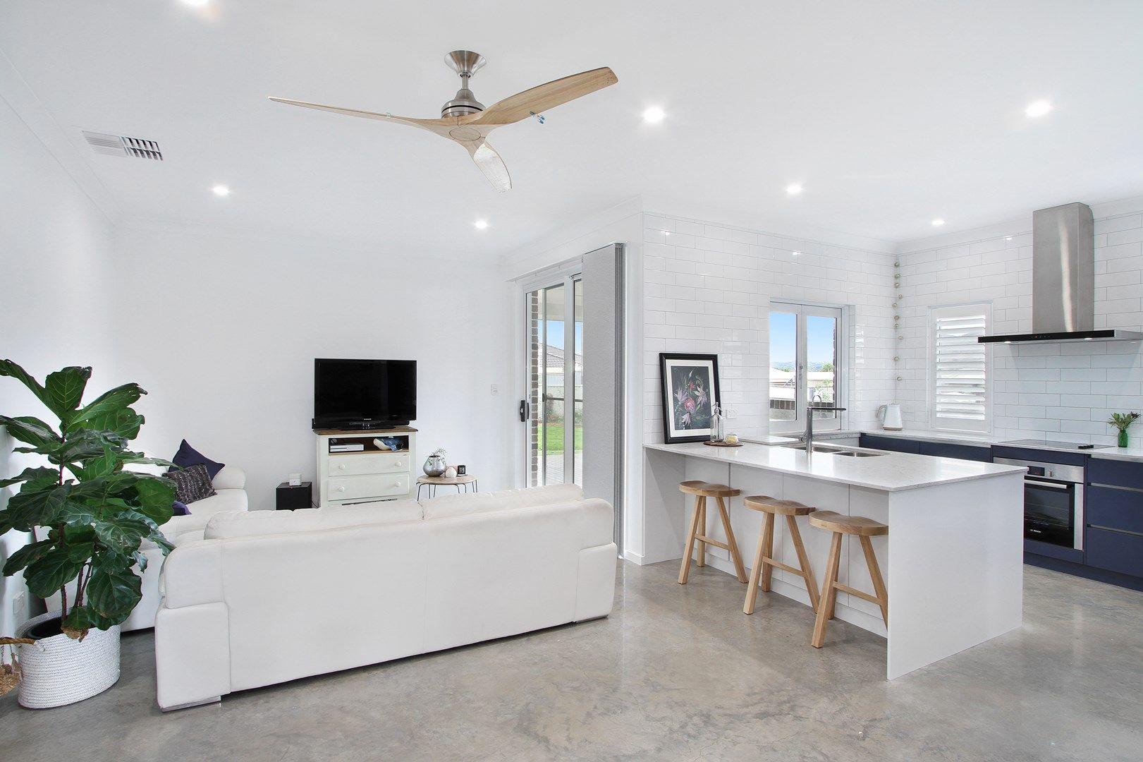 8 Illawarra Place, Tamworth NSW 2340, Image 1