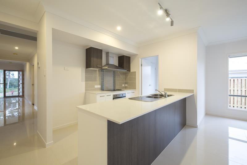15 Serendipita Street, Bridgeman Downs QLD 4035, Image 2