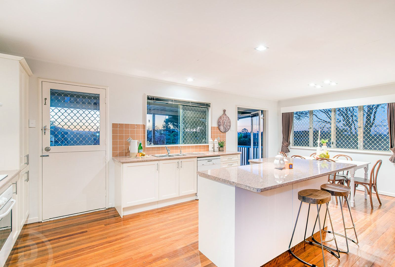 34 Cresthaven Drive, Mansfield QLD 4122, Image 1