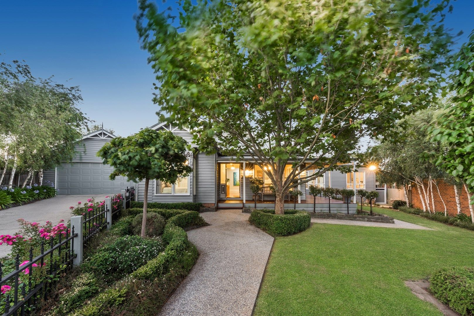 8 Oakview Court, Highton VIC 3216, Image 0
