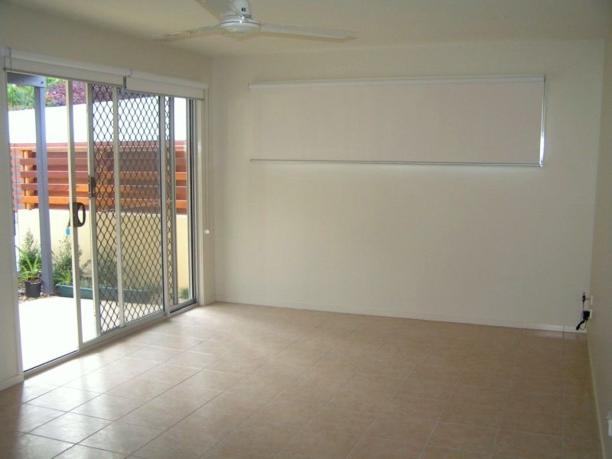 2/818 Pacific Parade, Currumbin QLD 4223, Image 2