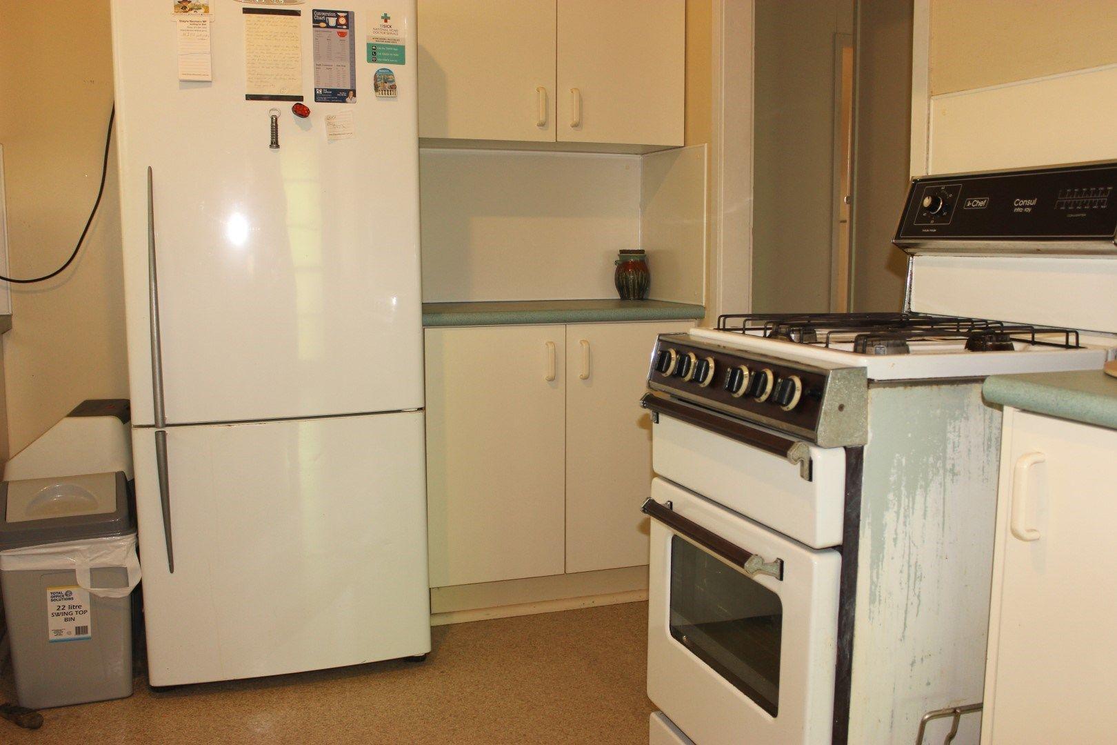 36 Aspinall Street, Leichhardt QLD 4305, Image 2