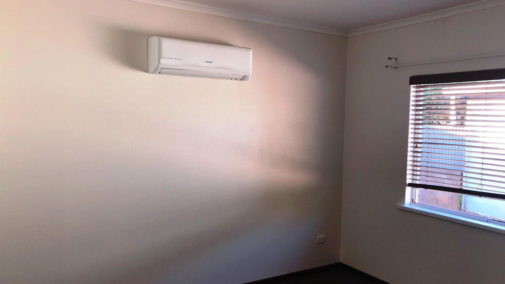 2/400 Cummins Lane, Broken Hill NSW 2880, Image 2