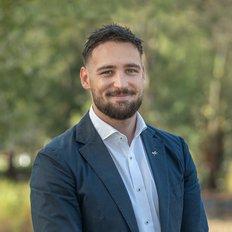Josh Saunders, Sales Consultant