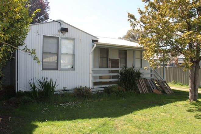 Picture of 20 Ninth Street, EILDON VIC 3713