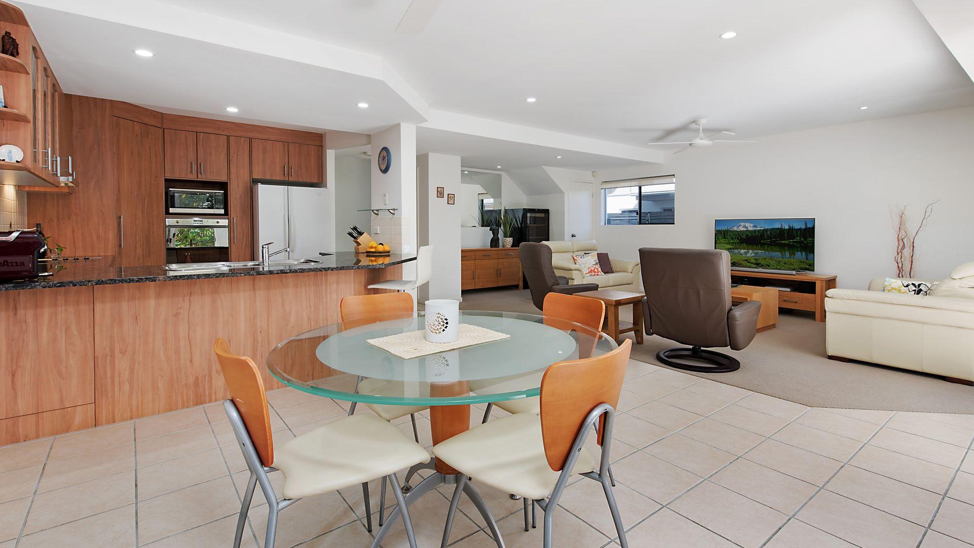 3/2-4 Tranquil Place, Alexandra Headland QLD 4572, Image 1