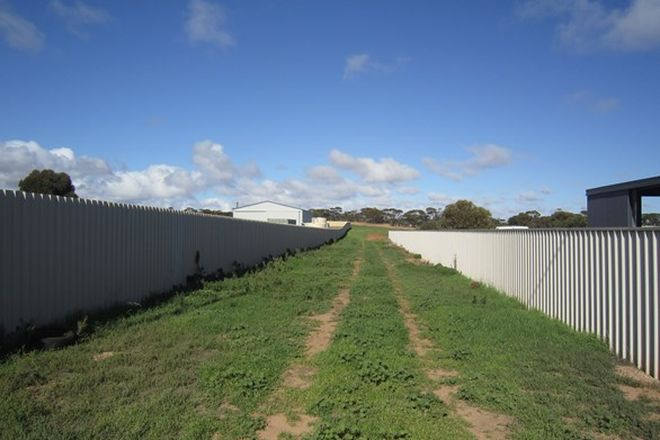 Picture of 18 Summerton Road, PORT BROUGHTON SA 5522