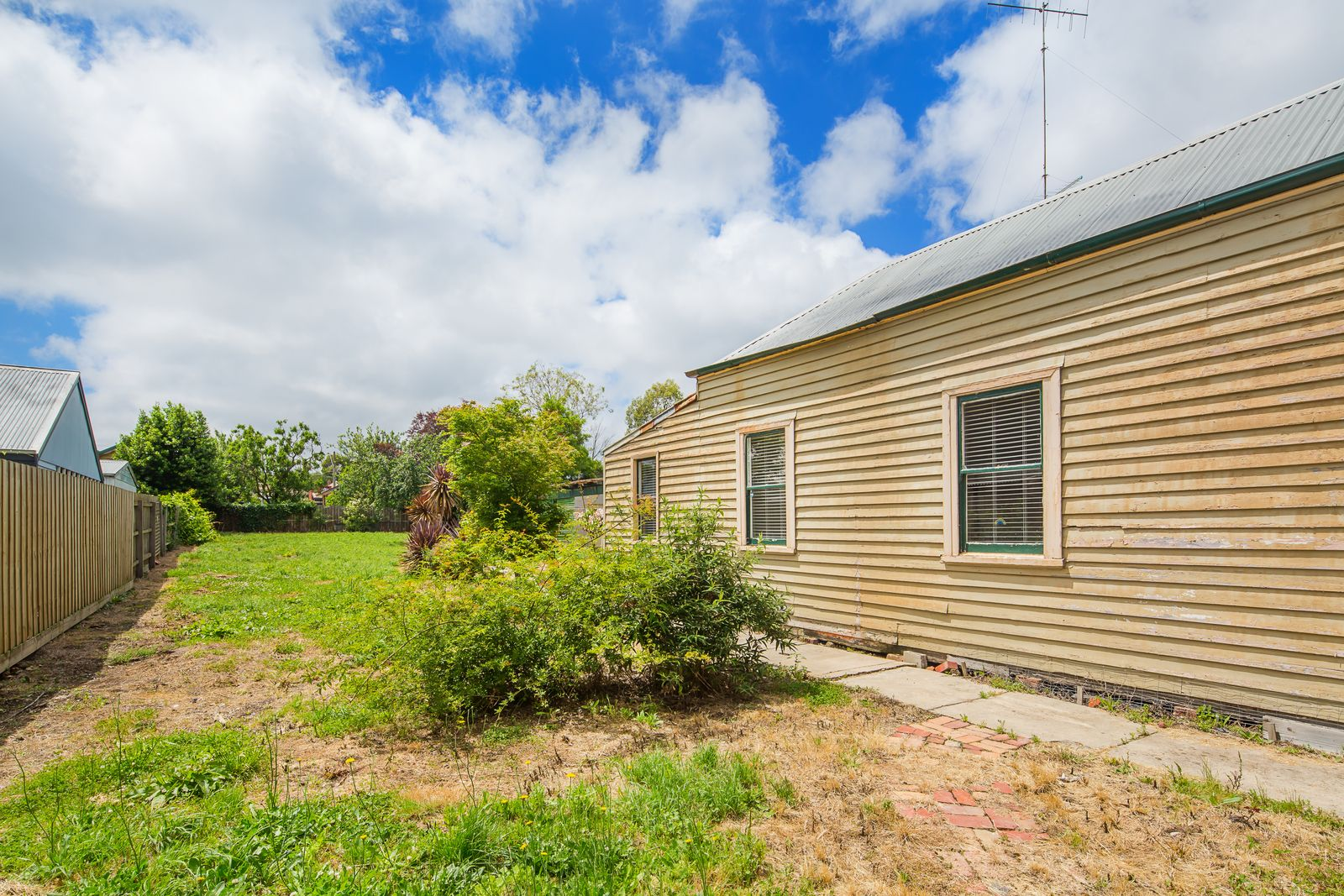 220 Clyde Street, Soldiers Hill VIC 3350, Image 1