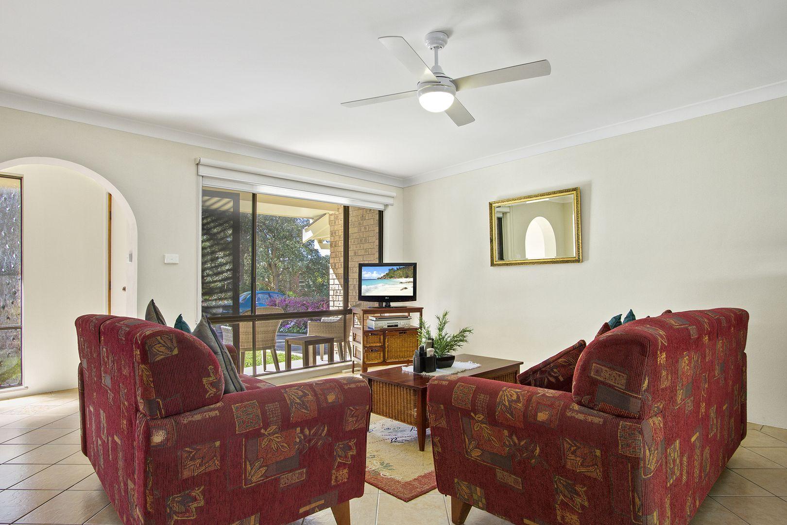 4/14 Davies St, Mollymook NSW 2539, Image 2