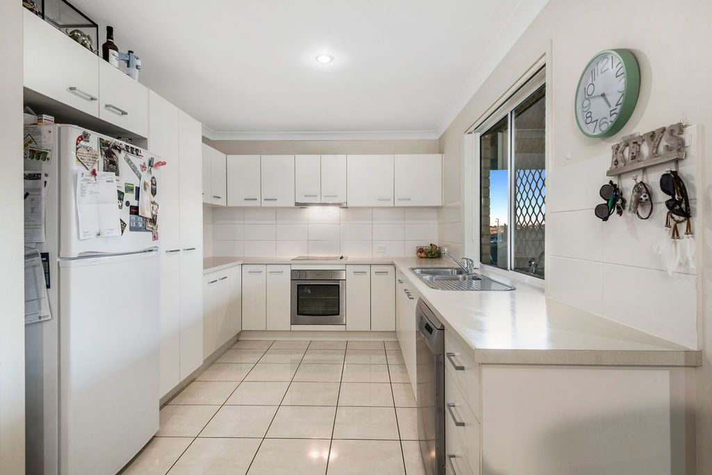 4 Barwick  Court, Wilsonton Heights QLD 4350, Image 2