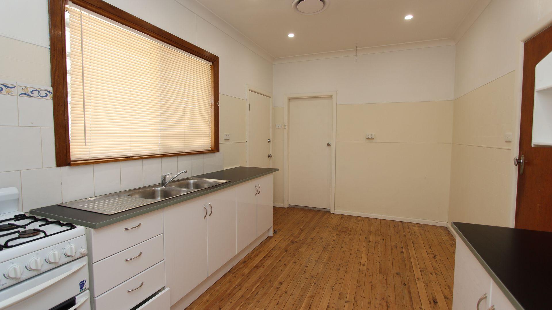 94 Sydney Rd, Bathurst NSW 2795, Image 1