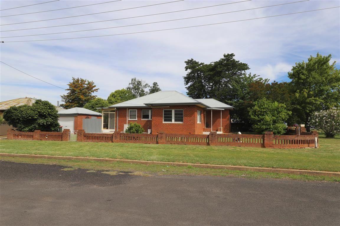 104 Russell Street, Tumut NSW 2720
