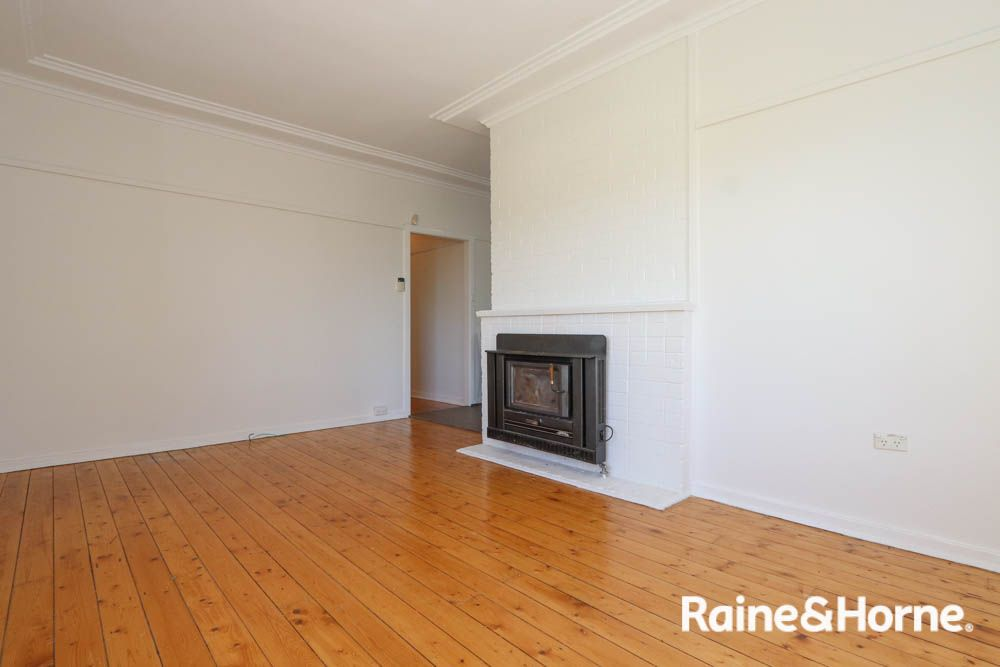 9 Parnham Street, West Bathurst NSW 2795, Image 2