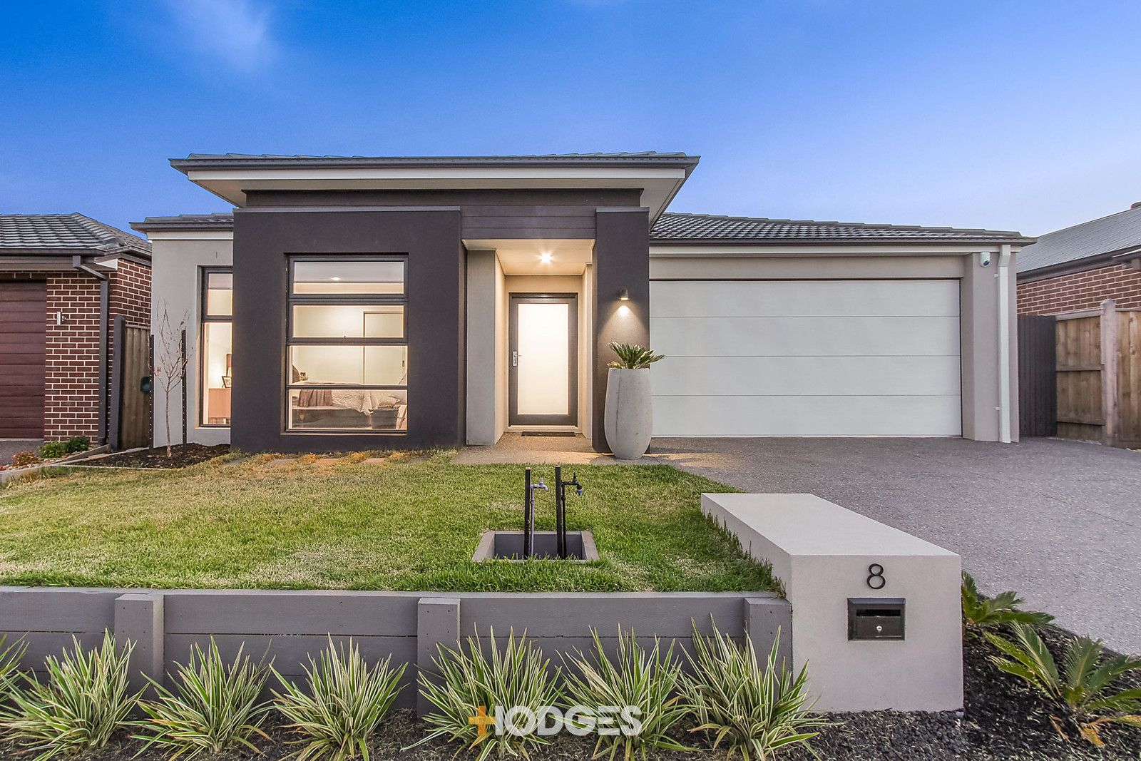 8 Sackville Avenue, Clyde North VIC 3978, Image 0