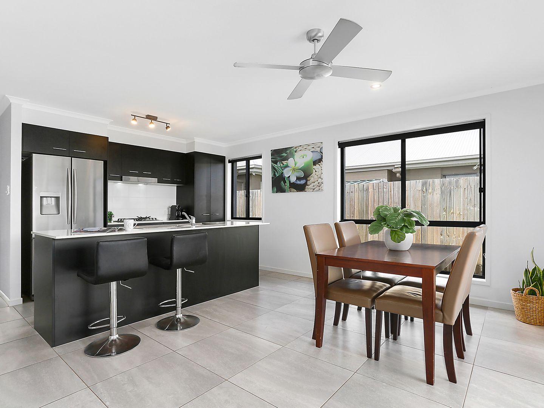 37 Meredith Crescent, Caloundra West QLD 4551, Image 2