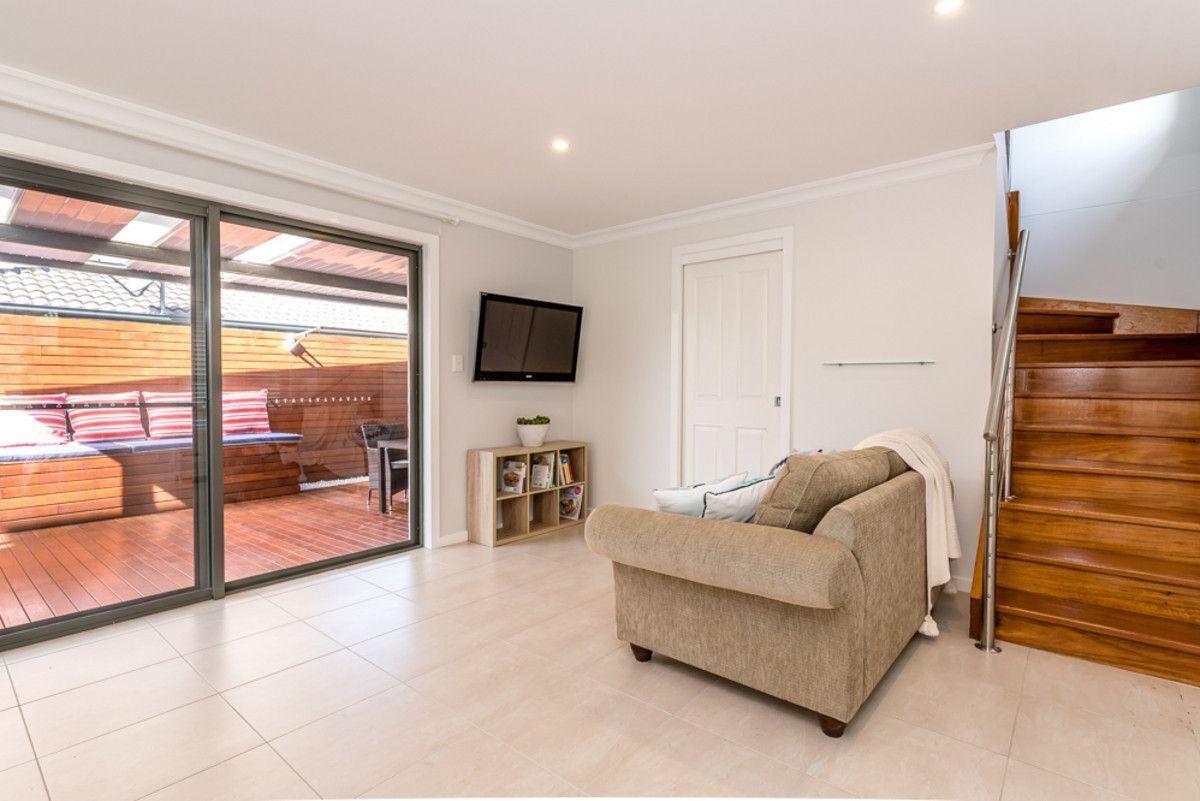 2/7 Koonah Avenue, Blue Bay NSW 2261, Image 2