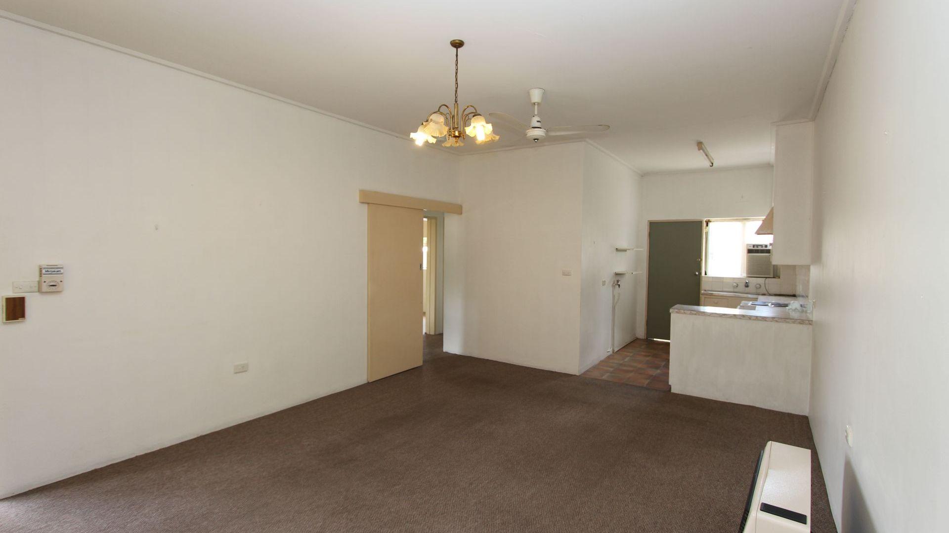 4/5 Karen Street, Tolland NSW 2650, Image 1