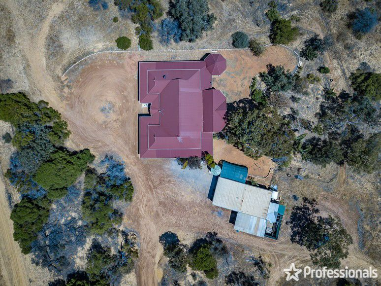 475 Hall Road, Waggrakine WA 6530, Image 2