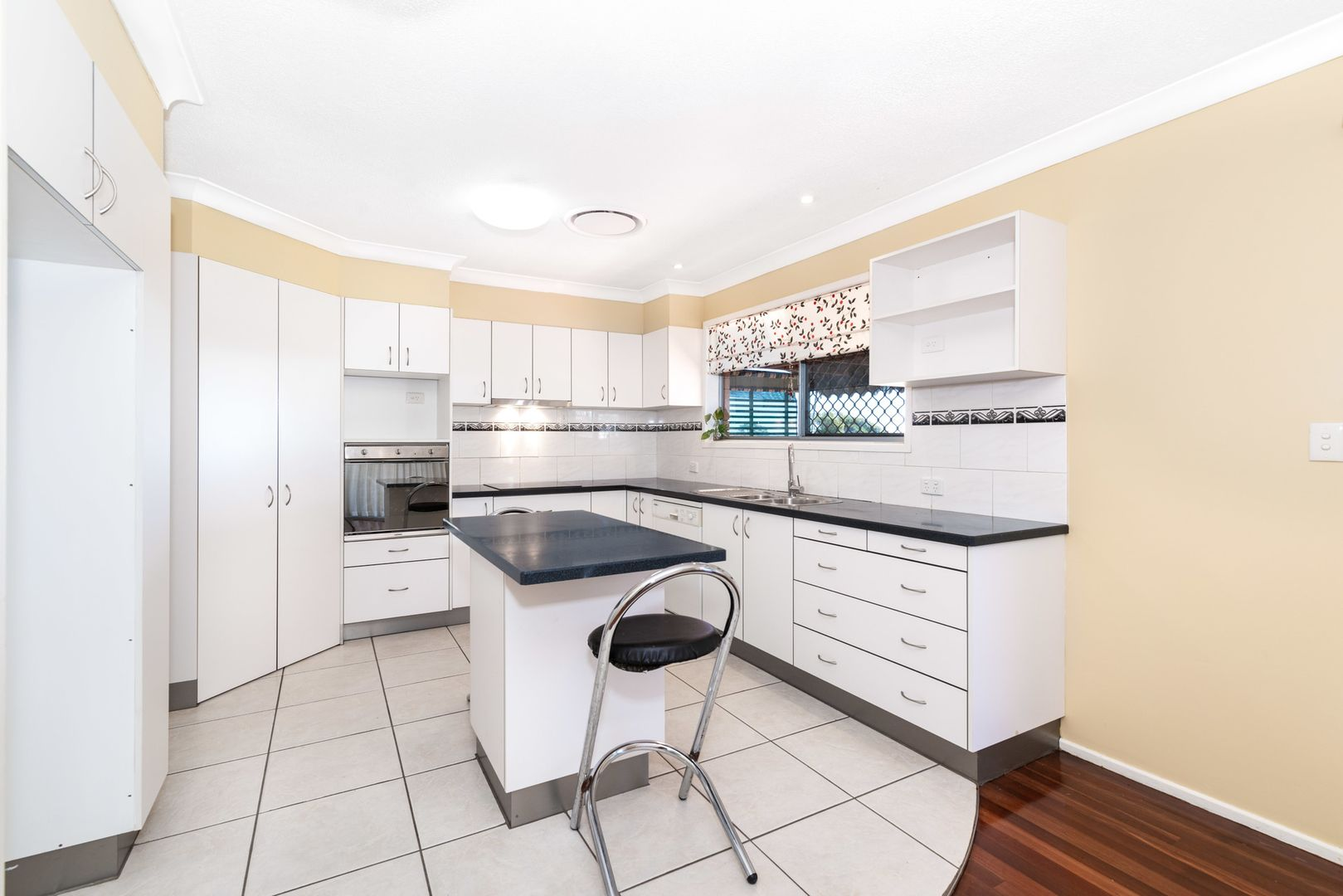547 Robinson Road West, Aspley QLD 4034, Image 1