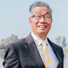 Lindsay Chan, Sales Executive
