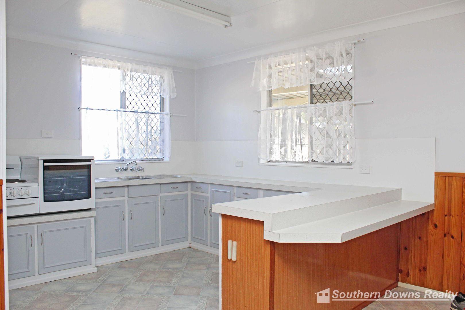 124 Willi St, Warwick QLD 4370, Image 2