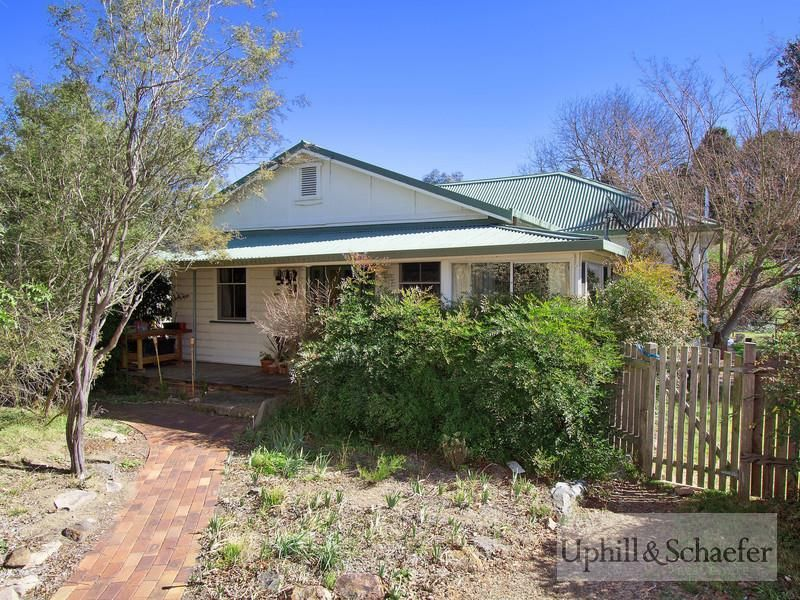 74 Canambe Street, Armidale NSW 2350, Image 0