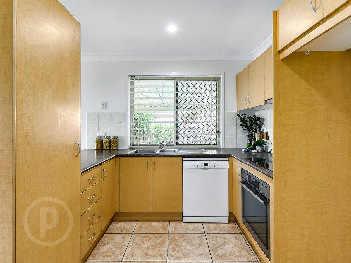 15 Emily Place, Sumner QLD 4074, Image 2