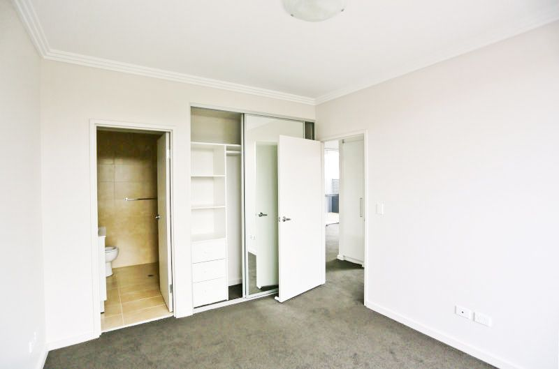 25/2-4 Belinda Place, Mays Hill NSW 2145, Image 2