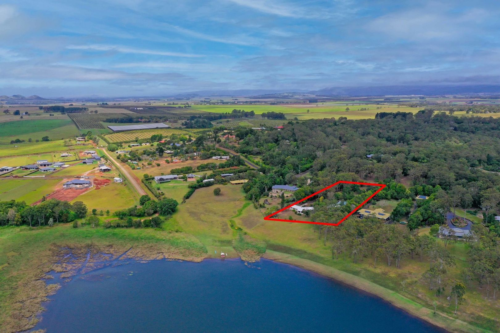 60 Bluewater Drive, Tinaroo QLD 4872, Image 1