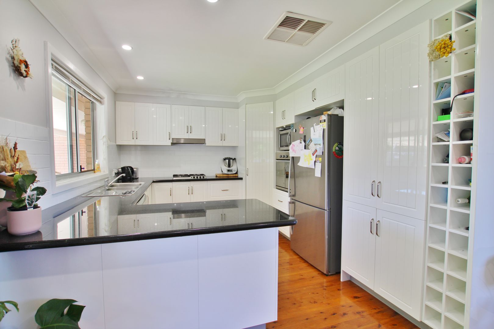 3 Cherry Court, Young NSW 2594, Image 2