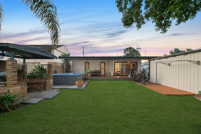 Picture of 10 Colleen Street, BERKELEY VALE NSW 2261