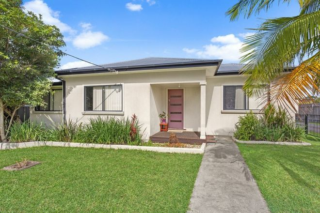 Picture of 1/46 Chatham Avenue, TAREE NSW 2430