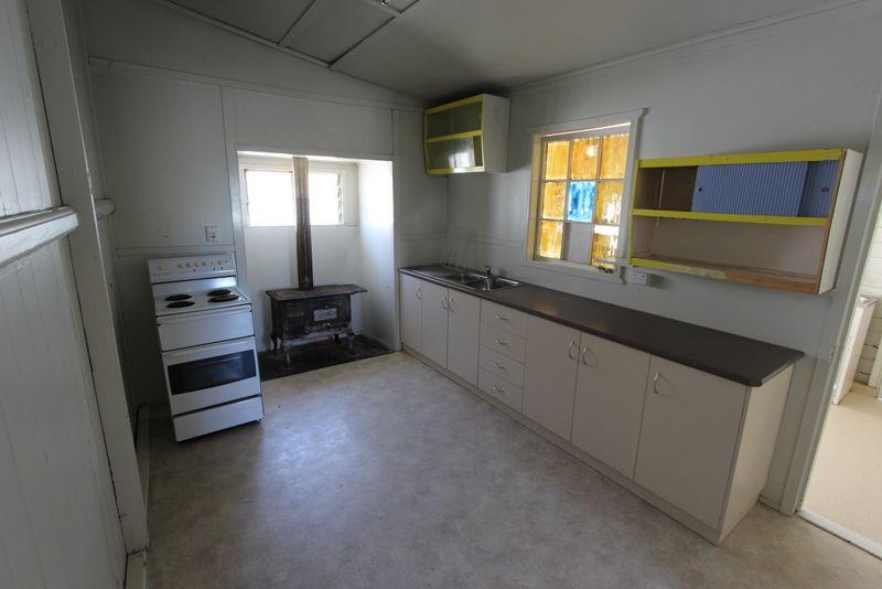 11 Ridgeway Street, Charleville QLD 4470, Image 1