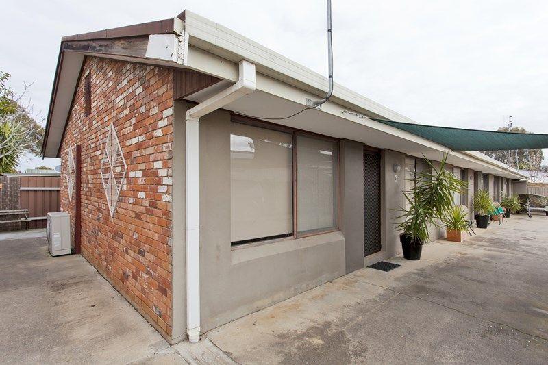2-4/462 Parnall Street, Lavington NSW 2641, Image 0