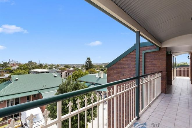 Picture of 10/9 Wooloowin Avenue, WOOLOOWIN QLD 4030