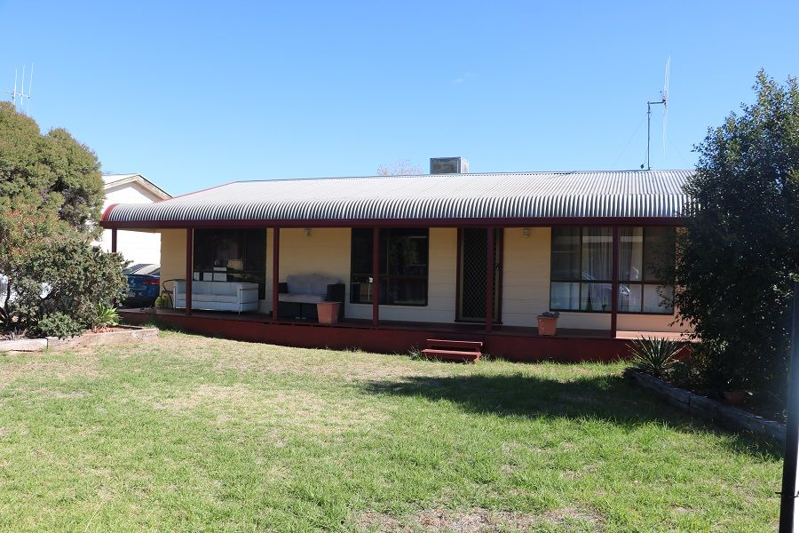 30 Lawson Street, Parkes NSW 2870, Image 0