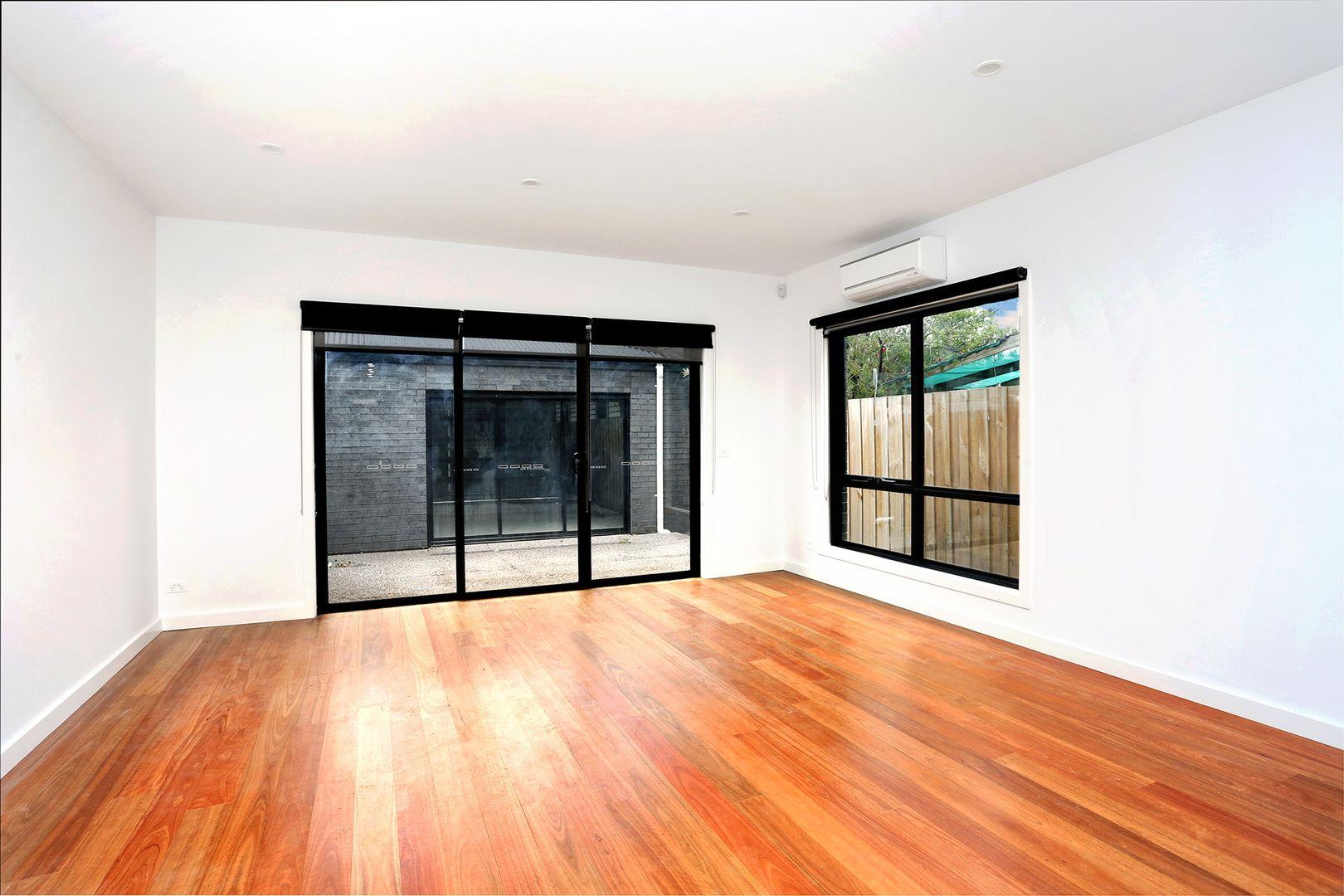 2/10 Dare Street, Coburg VIC 3058, Image 2
